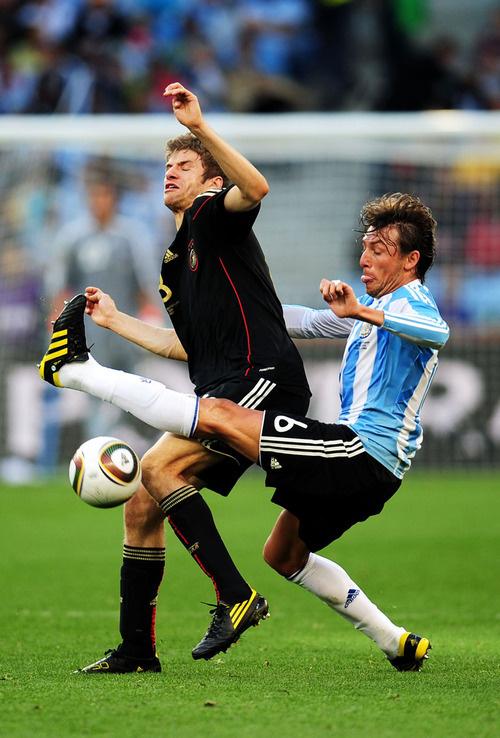 Soccer player butt